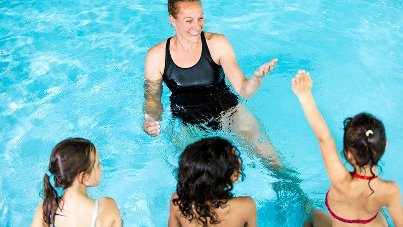 Zwemles kinideren met juf 280x900 pix.jpg