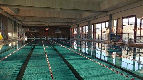leeg zwembad 2.jpg
